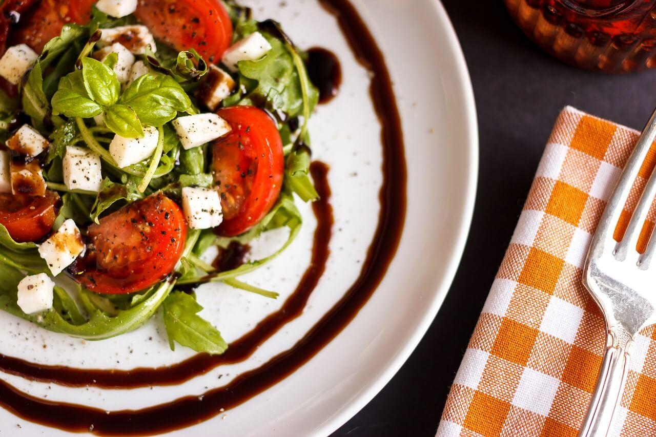 tomato basil zucchini healthy salad