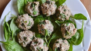 Spinach Stuffed Turkey-Burger Meatballs
