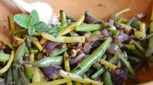 Garlic and Herb Green Bean Saute